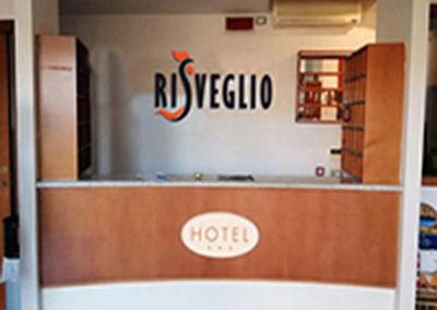 Reception Hotel 400px